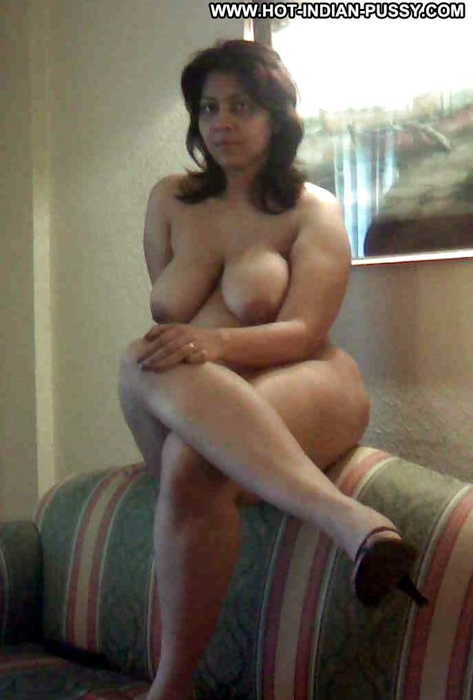 Narelle Private Pics Indian Desi Mature Amateur Flashing -1804