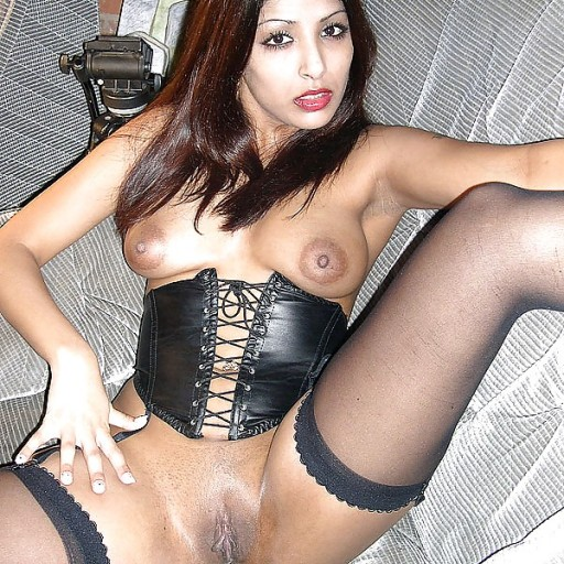Interracial Amateur hot babe