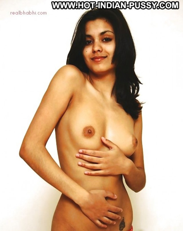 Ophelia Private Pics Amateur Indian Nude Desi Beautiful Babe Hot Sexy