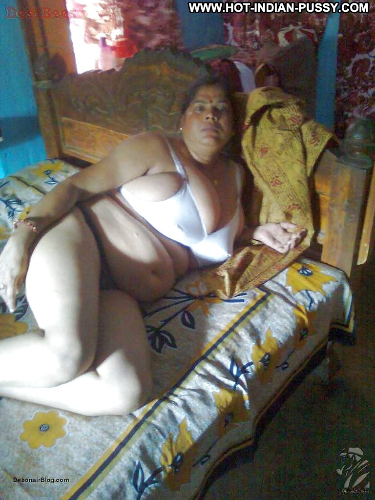Indian huge tits aunty late night sex with her husband 1