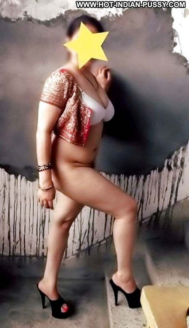 Libby Private Pics Indian Desi Amateur Close Up Boobs Big Boobs
