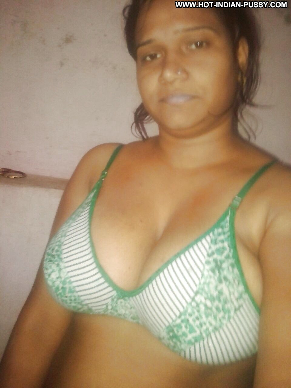 Tamil Aunty Mulai Pictures  Aunties Photos