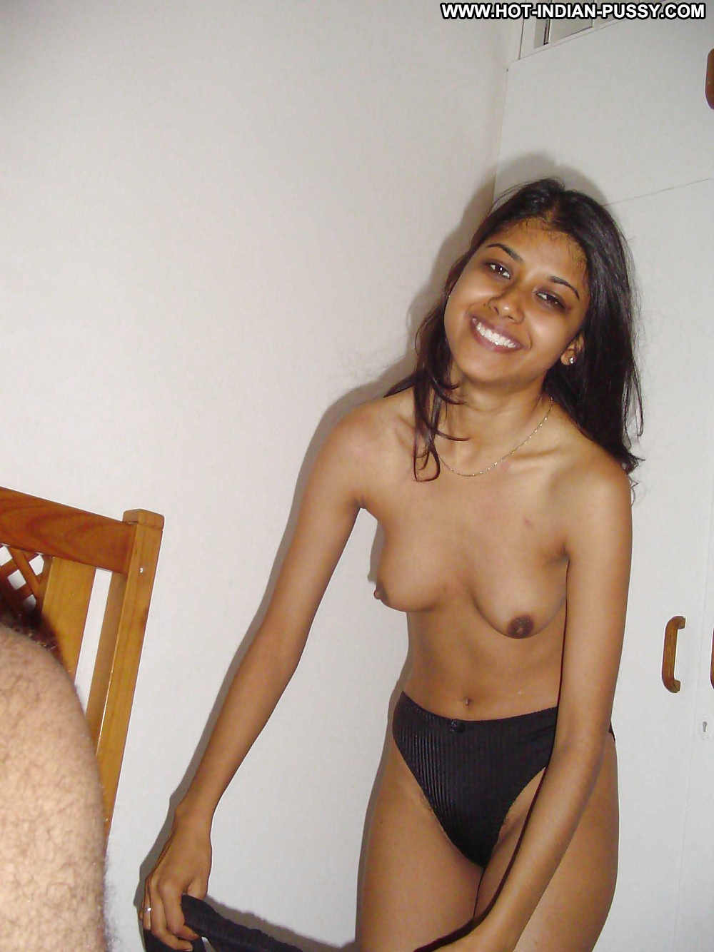 Hairy pussy indian amateur gets drilled deep