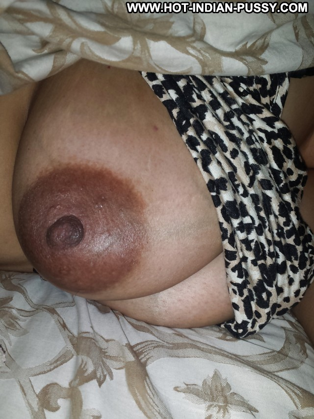 Desi hot wife with friend in hotel room with hindi audio 8