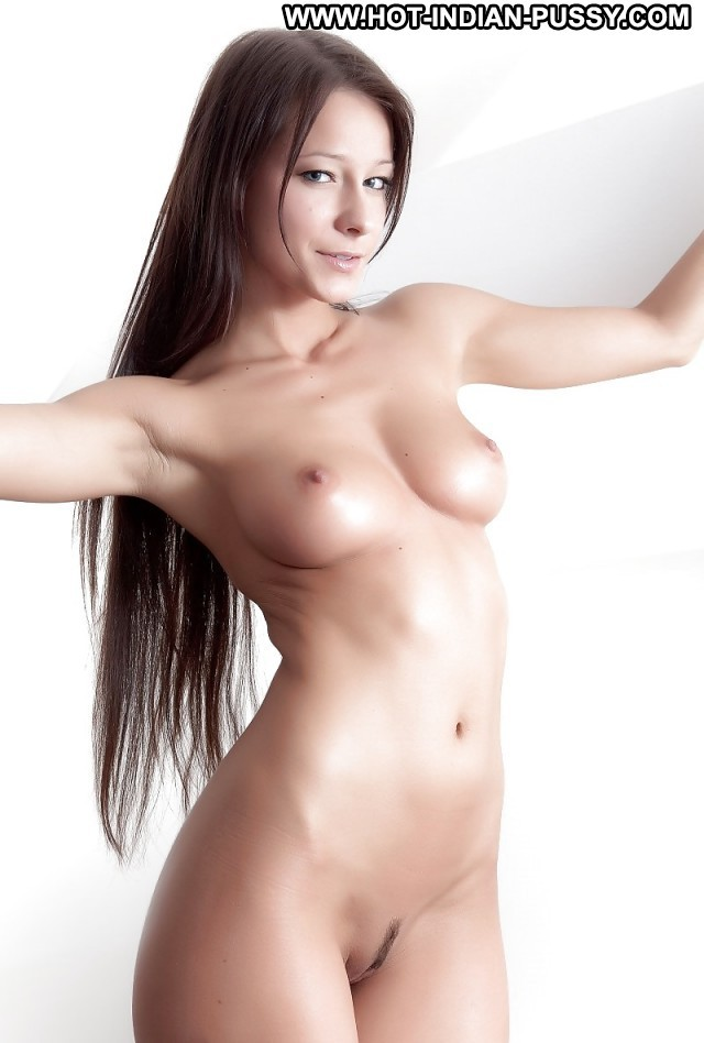 Heide Private Pictures Teen Hot Desi Indian Blonde Ebony